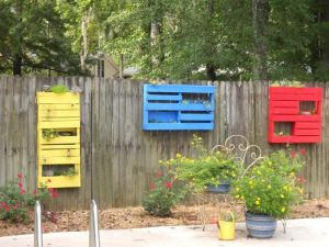 17-charming-fence-planter-ideas-for-your-home-title